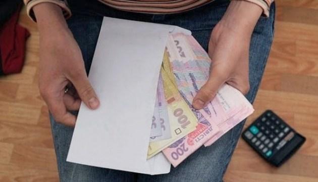 Майже у половини перевірених суб'єктів є порушення при виплаті зарплати - ДФС