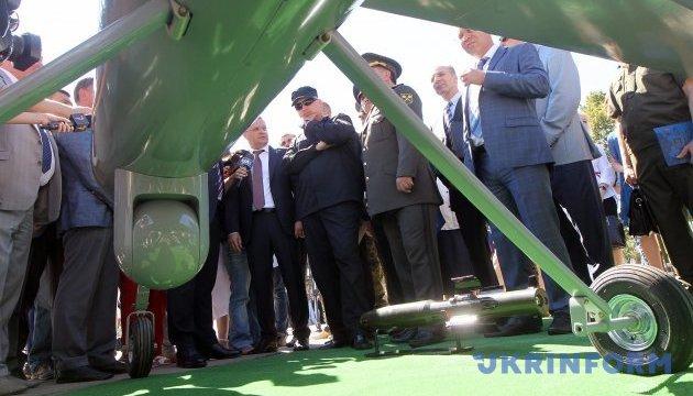 Турчинову показали новый боевой дрон