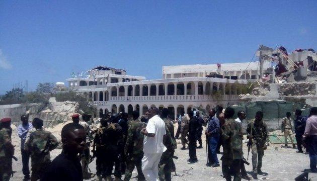 Теракт в отеле в Сомали унес жизни пяти человек