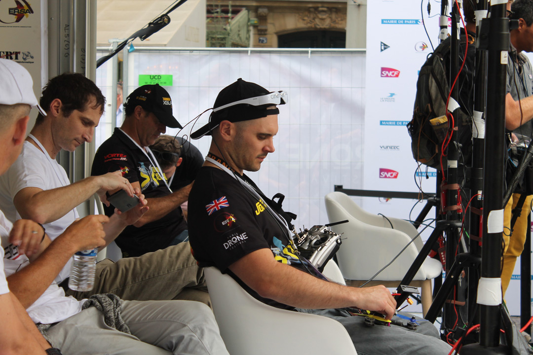 Британские участники соревнований Paris Drone Festival