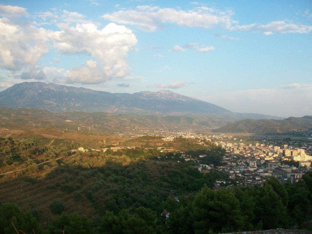 Вид с горы в городе Берат. Албания