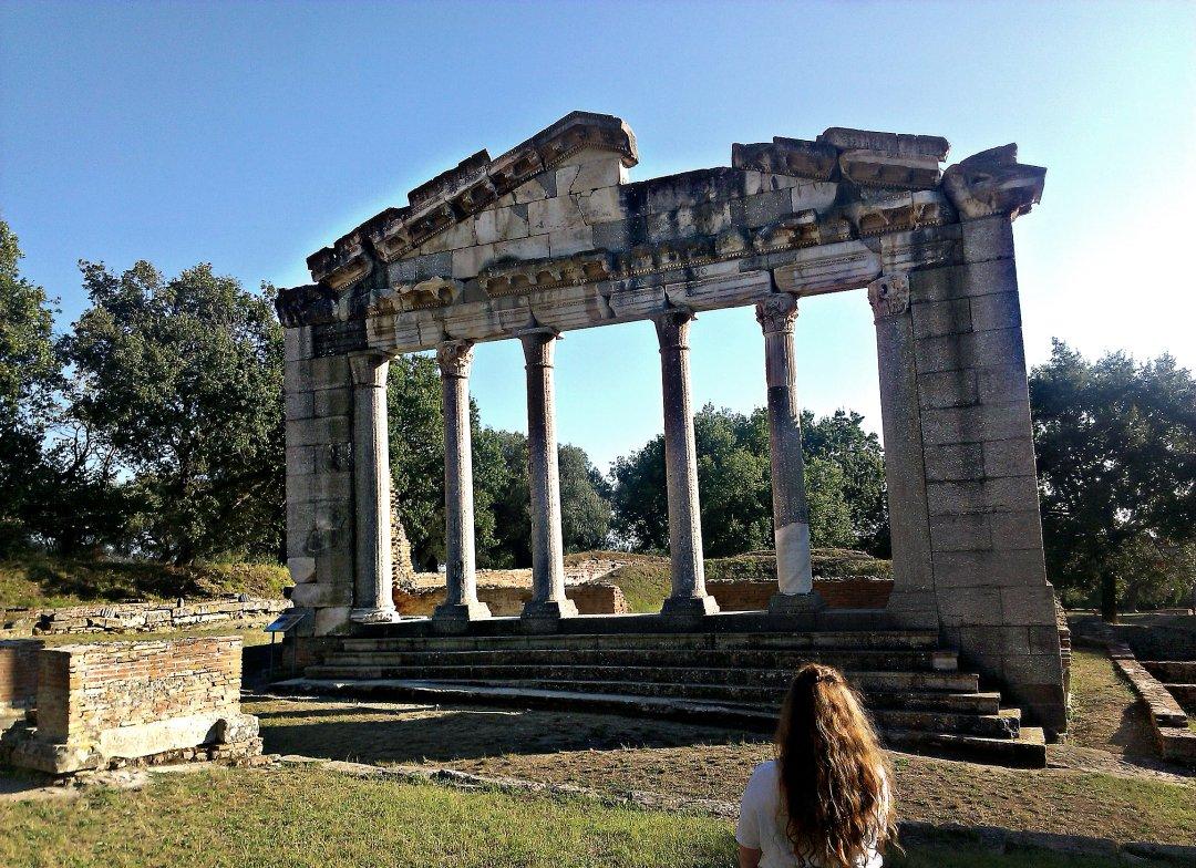 Останки храма, Аполлония, Фьери