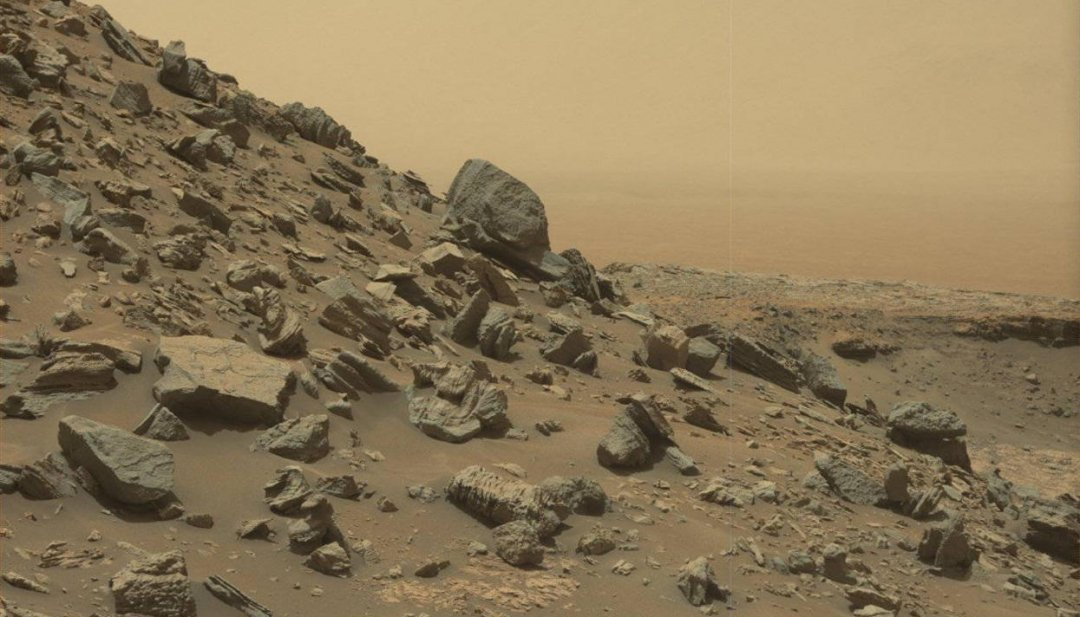 Склон холма в районе «Останцы Мюррея» у подножия горы Шарпа на Марсе. Фото: MSSS / JPL-Caltech / NASA