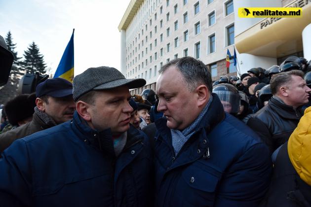 Игорь Додон - справа и Андрей Нэстасе