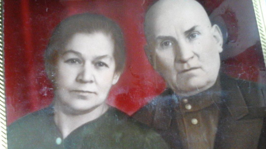 На фото: Татьяна и Петр Лымари – дедушка и бабущка Раиси Майстренко