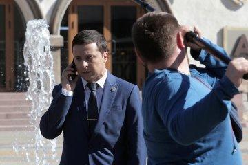 コメディアンのゼレンシキー氏、所属政党の政界進出を発表