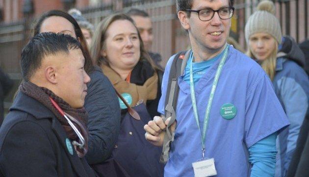 Молодые врачи Британии объявили забастовку на середину сентября