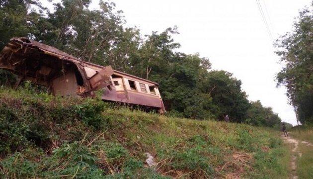 В таиландском поезде взорвалась бомба, есть жертвы