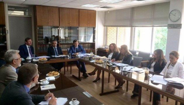 Генпрокурори України і Кіпру домовилися спільно розслідувати злочини