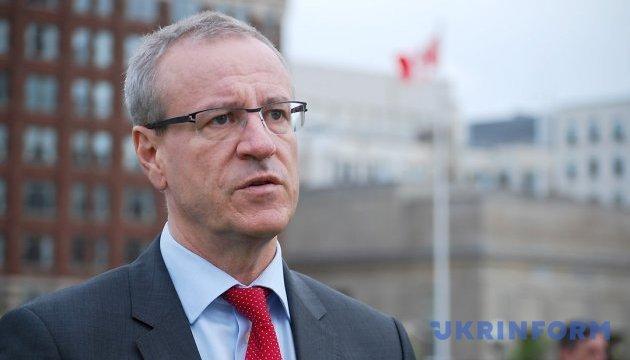 Канадський депутат закликав скасувати візи для українців