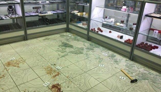 У столиці обікрали ювелірку: є постраждалий