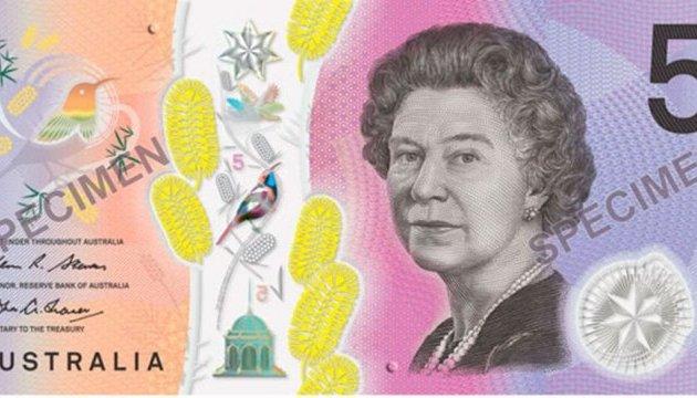 Австралия выпустила новые банкноты с анимированной птичкой