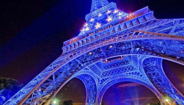 Фанера над Парижем, або Євробюрократія зблизька