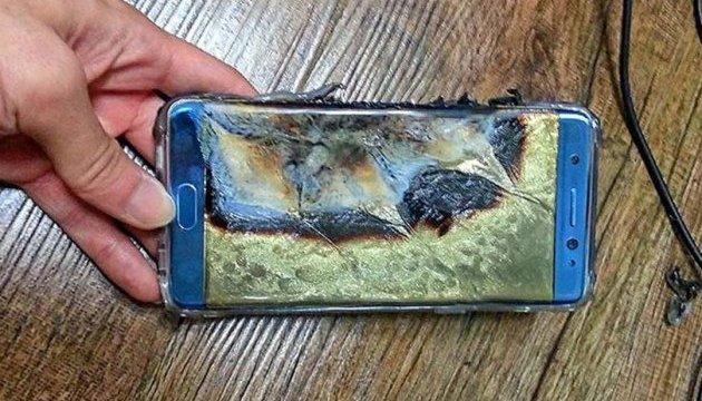 Влада США закликає не вмикати пожежонебезпечні смартфони в літаках