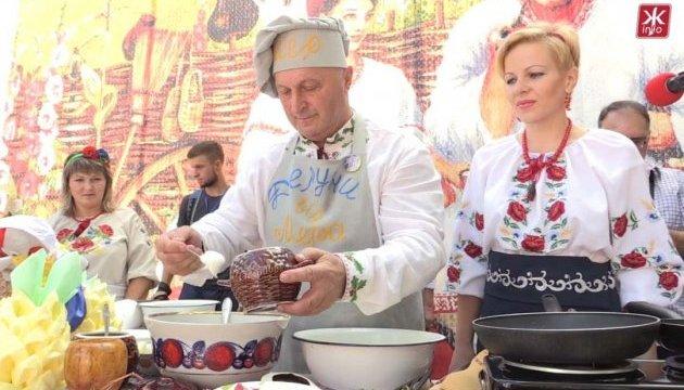 50 тисяч туристів відвідали фестиваль дерунів на Житомирщині