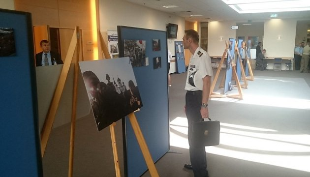 Fotoausstellung in NATO-Hauptquartier über Krieg in Ukraine