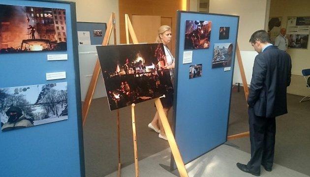 У штаб-квартирі НАТО відкрилася фотовиставка про Україну