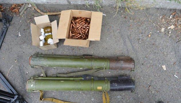 На Львівщині двоє офіцерів торгували зброєю з військових складів