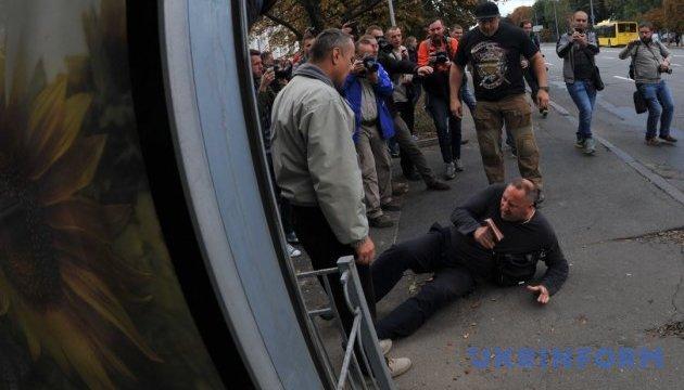 «Свободівці» не пустили росіянина проголосувати у Києві