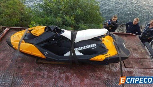 Загибель Таранова: поліція витягнула із Дніпра гідроцикл