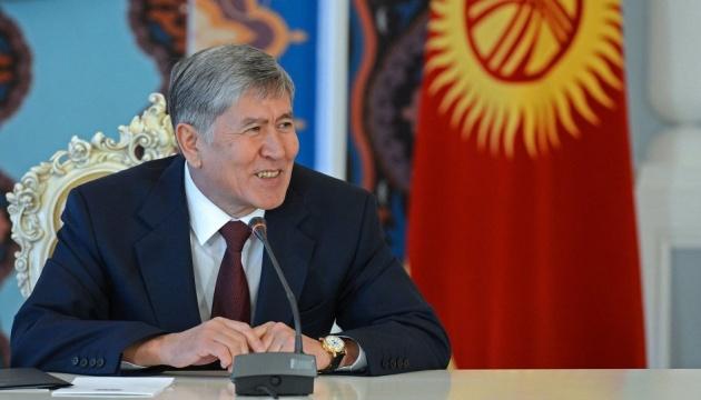 Прибічники експрезидента Киргизстану утримують шістьох спецпризначенців