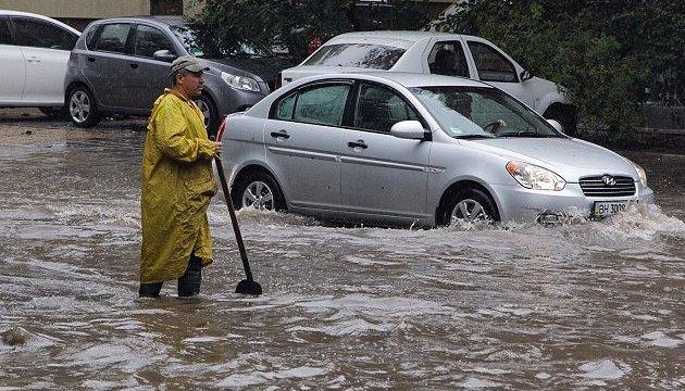 Потоп в Одесі: мер закликав скоротити робочий день
