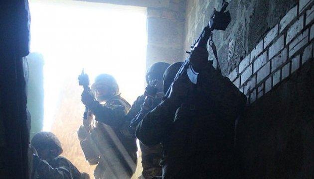 Сутки в АТО: боевики бьют из артиллерии, 120-мм минометов и БМП