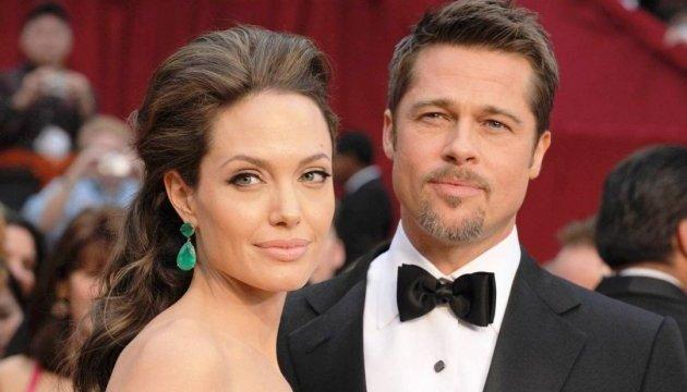 Анджеліна Джолі та Бред Пітт таки розлучаються