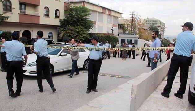 В Анкарі озброєний чоловік проривався до ізраїльського посольства
