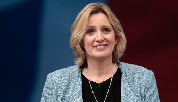 Британского министра призывают уйти в отставку из-за скандала с мигрантами