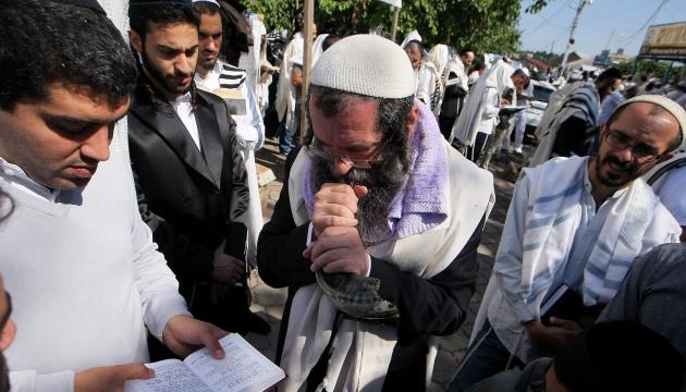Hasidim start arriving in Ukraine for Rosh Hashanah