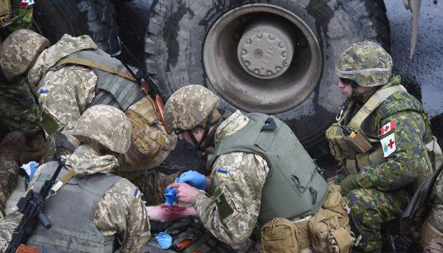 Un soldat ukrainien tué et un autre blessé au cours des 30 attaques ennemies dans le Donbass