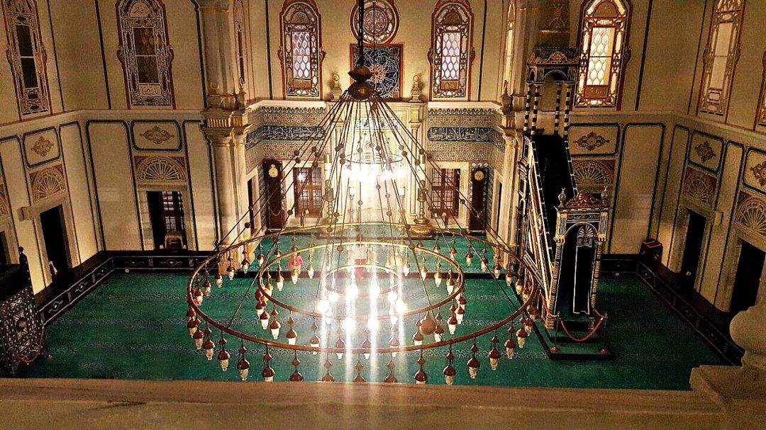В одной из мечетей азиатской части