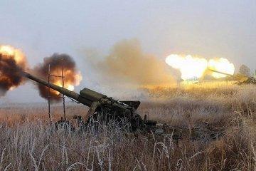 """Снаряди """"ДНР"""" підпалили житлові будинки"""