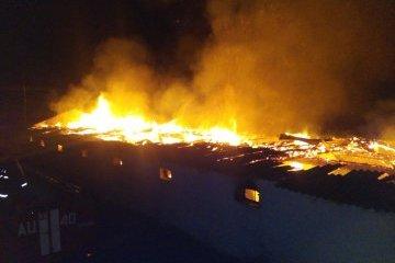Під Бухарестом палають меблеві склади
