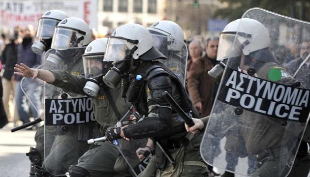 Поліція застосувала сльозогінний газ проти демонстрантів у Салоніках