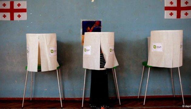 В Грузии правящая партия побеждает политсилу Саакашвили