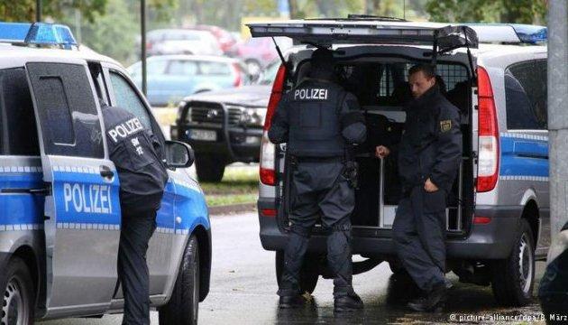 У Німеччині затримали п'ятьох підозрюваних у підпалі гуртожитку біженців