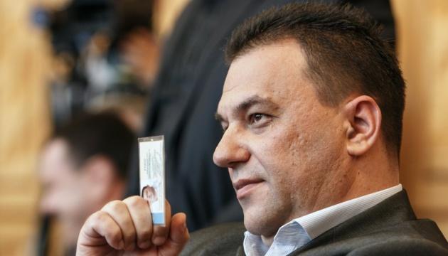 Голова Закарпатської облради задекларував понад 900 тисяч зарплатні