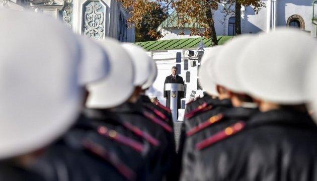 Порошенко відзначив успіхи «високомобільних дипломатичних військ»