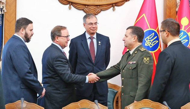 Defense Minister Poltorak held meeting with US Congress representatives