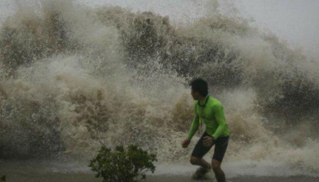 На Філіппінах вирує шторм: 27 жертв, ще 24 особи зникли безвісти