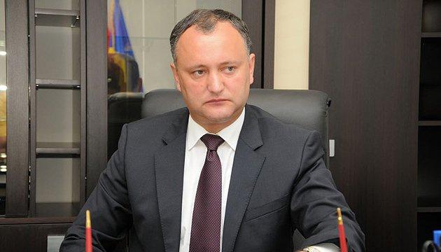 Додон хочет отозвать посла из Бухареста