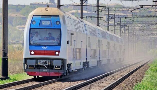 Двухэтажный электропоезд совершил первый рейс Харьков - Киев