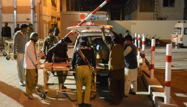 В Пакистане смертник на мотоцикле убил заместителя начальника полиции