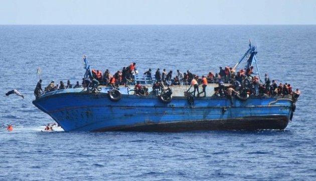 Почти 156 тысяч мигрантов добрались за год морем в Европу