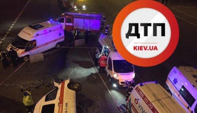 Unfall in Kiew: Ein Toter und drei Verletzt bei Zusammenstoß mit Rettungswagen