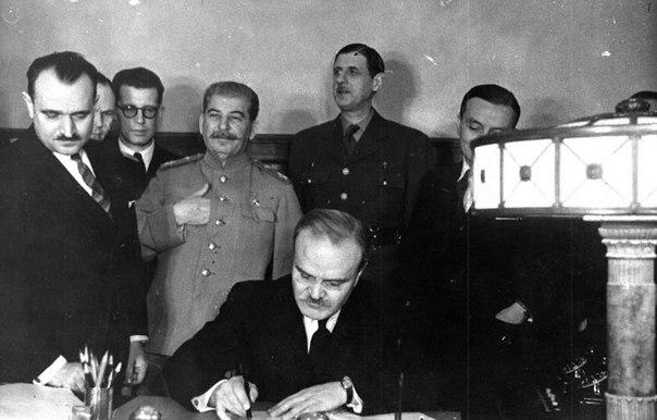 Французький генерал де Голль у Кремлі. Укладення з СРСР договору про союз і взаємну допомогу (1944 рік)
