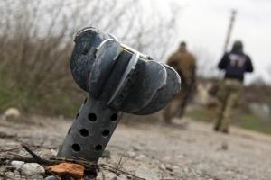 ルハンシク州にて迫撃砲砲弾が輸送車に着弾 軍人1名死亡、5名負傷