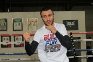 Lomachenko tendrá la próxima pelea en Los Ángeles el 12 de abril
